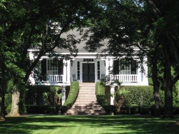 Georgia plantation up for sale georgia public broadcasting for Southern plantation houses for sale