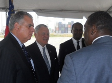 US Transportation Secretary Ray LaHood, Georgia Governor Nathan Deal and Atlanta Mayor Kasim Reed at the port of Savannah.  (photo Orlando Montoya)