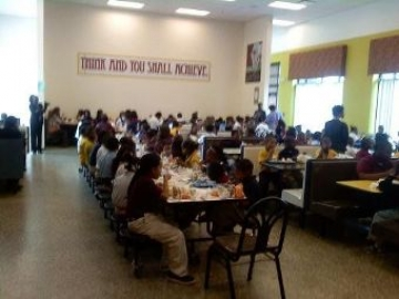 Lunchroom at Ingram-Pye Elementary School in Macon (photo Josephine Bennett)