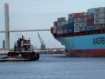 A final decision on the proposal to dredge the Port of Savannah will be made late next year. (Photo courtesy: mmwm via flickr)