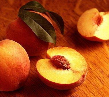 العلاج بالفاكهه والخضار peach_usda380.jpg