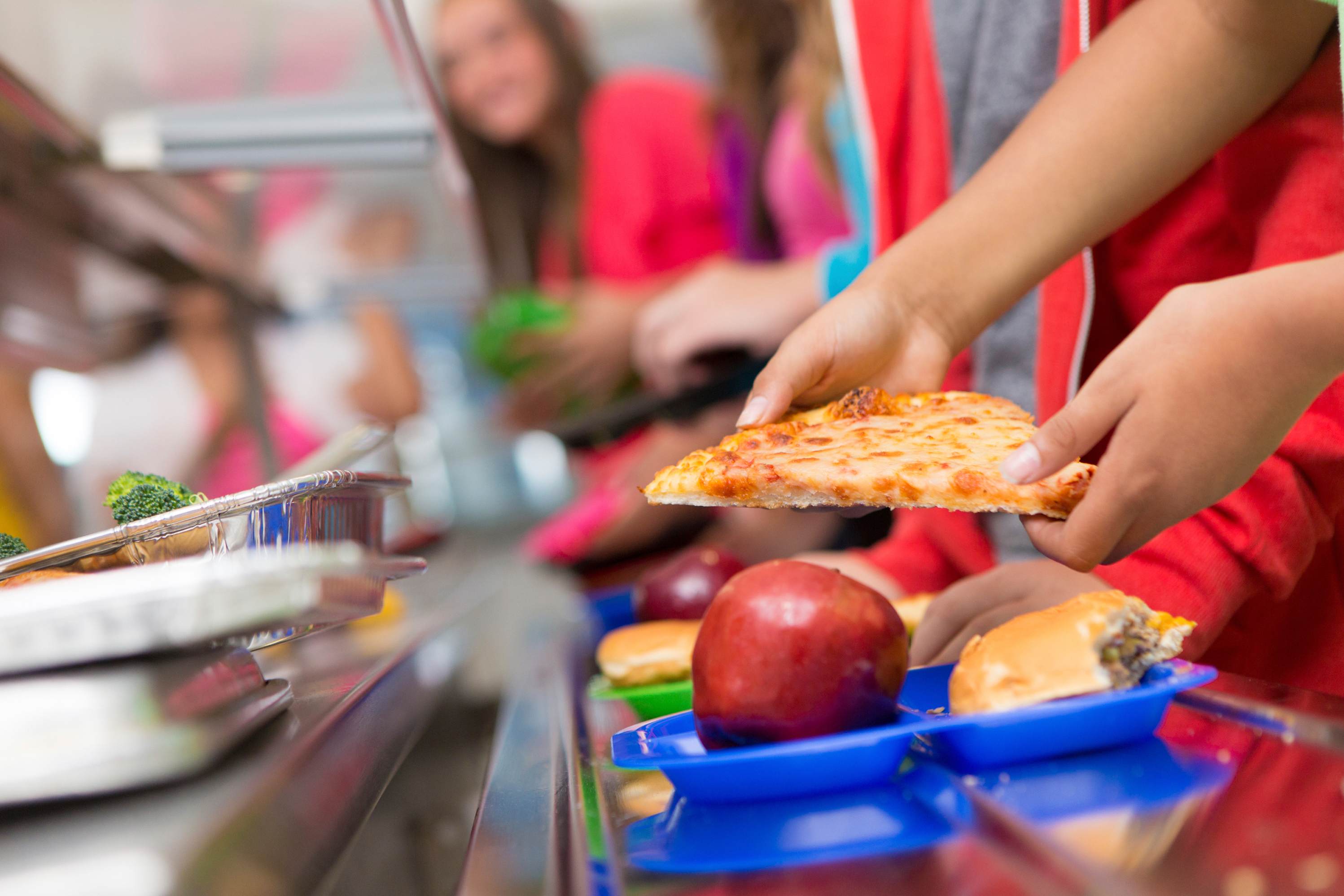 time to eat school lunch essay Negative effects of skipping lunch benefits of eating lunch good lunch choices parental influence — with the importance a good lunch benefits a student by giving him the energy to remain alert during class time this is true whether the student is in elementary school, high school or college.