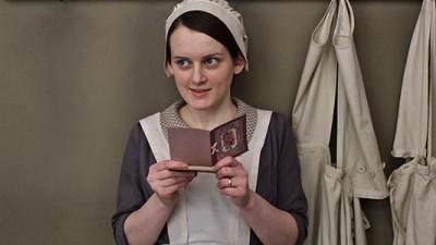 Sophia McShera as Daisy. Photo courtesy Nick Briggs/Carnival Film & Television Limited 2013 for MASTERPIECE