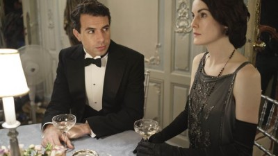 Lord Gillingham (played by Tom Cullen) has his eyes on Lady Mary.