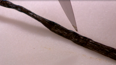 Learn How To Remove Vanilla Bean Seeds
