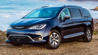 2018 Chrysler Pacifica Hybrid & 2019 Chevrolet Silverado