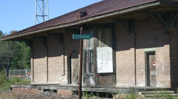 Toomsboro Train Depot.  Image from www.billweaver.net/TOOMSBORO/