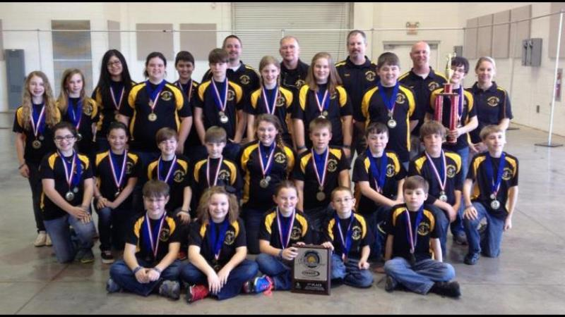 Woodlawn Elementary Archery Team (img via their Facebook page)